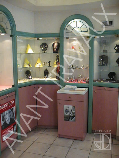 f3a57623af5 Création et agencement de magasins - Bijouterie - DESPERRIER