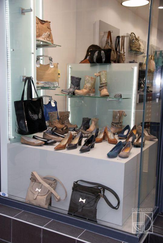 Cr ation et agencement de magasins chaussure et - Magasin meuble villefranche sur saone ...