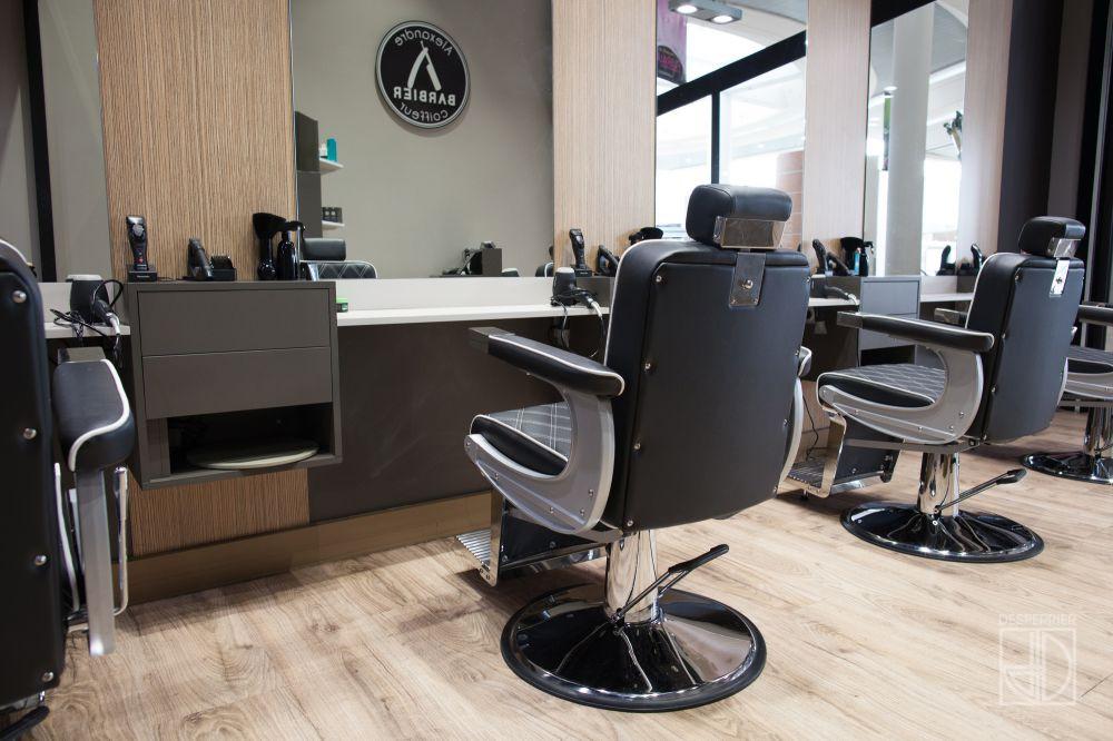 Cr ation et agencement de magasins salon de coiffure for Salon de coiffure alexandre henry