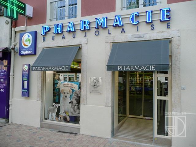 Cr ation et agencement de magasins pharmacie desperrier for Amenagement interieur pharmacie